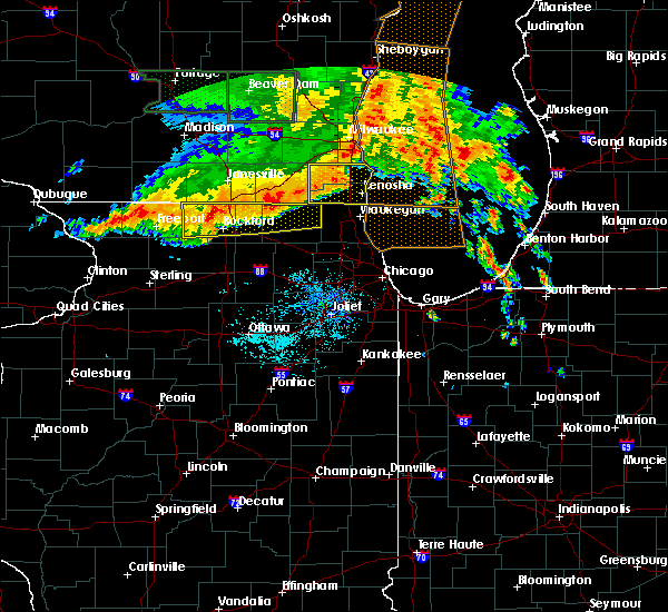 Radar Image for Severe Thunderstorms near Round Lake, IL at 7/13/2015 5:40 AM CDT