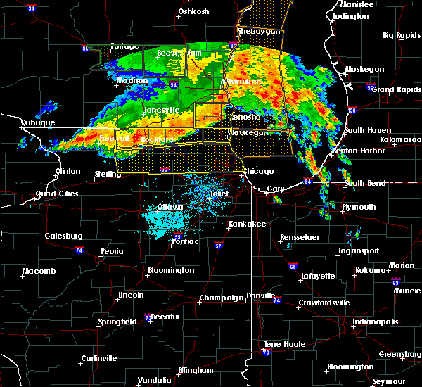 Radar Image for Severe Thunderstorms near Monroe Center, IL at 7/13/2015 5:44 AM CDT