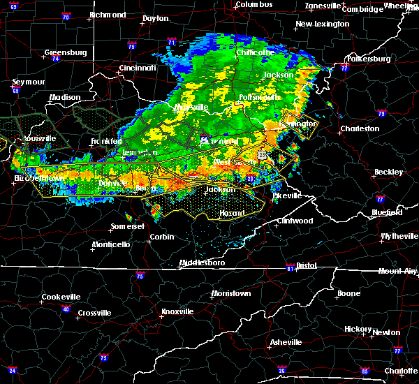 Radar Image for Severe Thunderstorms near McKee, KY at 7/13/2015 4:05 PM EDT