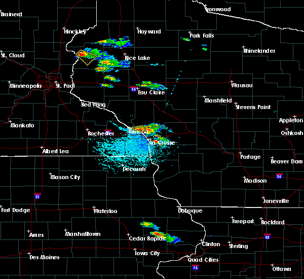 Radar Image for Severe Thunderstorms near Galesville, WI at 7/13/2015 4:06 PM CDT