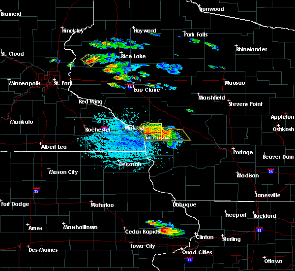 Radar Image for Severe Thunderstorms near Onalaska, WI at 7/13/2015 4:34 PM CDT