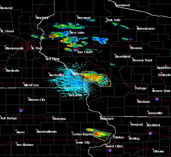 Radar Image for Severe Thunderstorms near Onalaska, WI at 7/13/2015 4:45 PM CDT