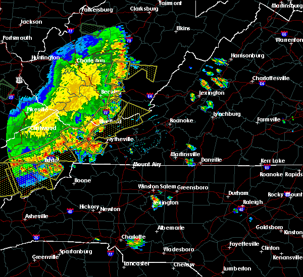 Radar Image for Severe Thunderstorms near Claypool Hill, VA at 7/13/2015 6:25 PM EDT