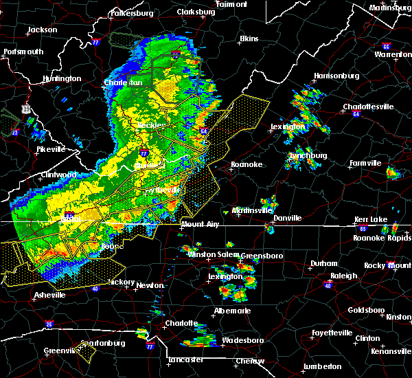 Radar Image for Severe Thunderstorms near Fairlawn, VA at 7/13/2015 7:12 PM EDT