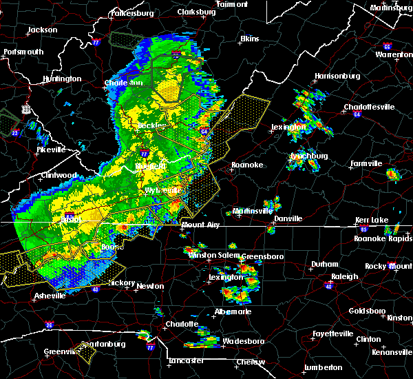 Radar Image for Severe Thunderstorms near Hiwassee, VA at 7/13/2015 7:24 PM EDT