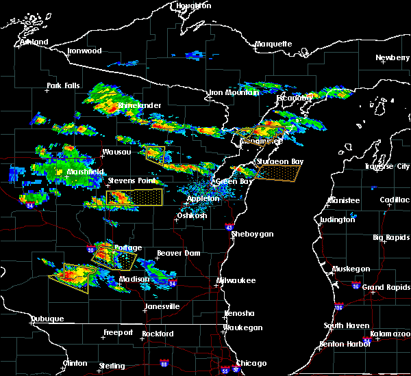 Radar Image for Severe Thunderstorms near King, WI at 7/13/2015 6:35 PM CDT