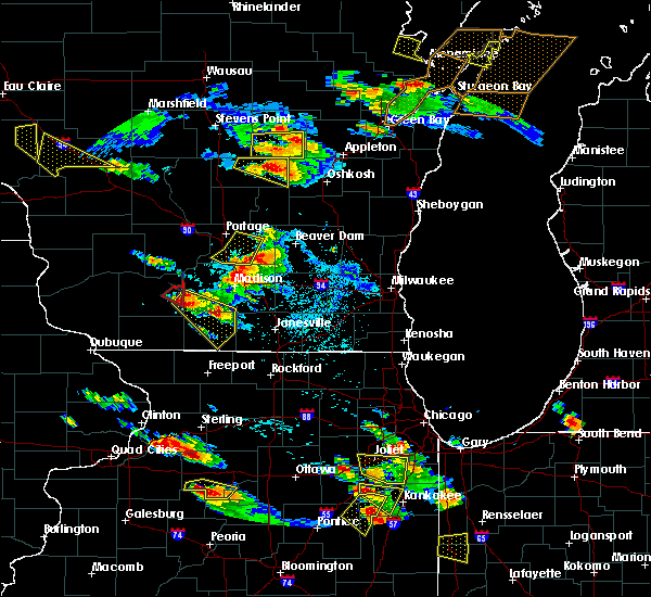 Radar Image for Severe Thunderstorms near Madison, WI at 7/13/2015 7:19 PM CDT