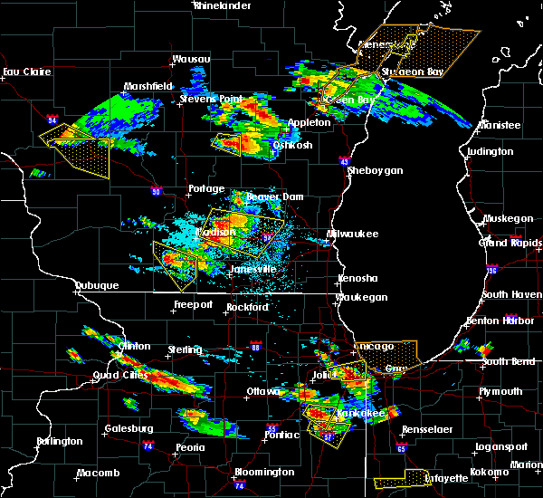 Radar Image for Severe Thunderstorms near Helenville, WI at 7/13/2015 7:37 PM CDT