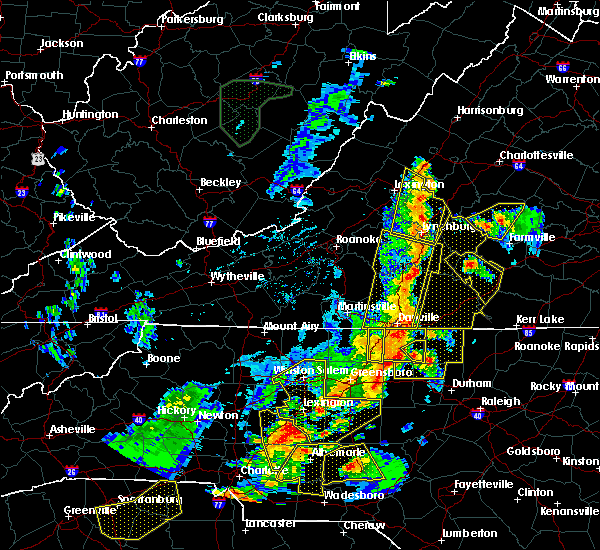 Radar Image for Severe Thunderstorms near Milton, NC at 7/13/2015 9:20 PM EDT