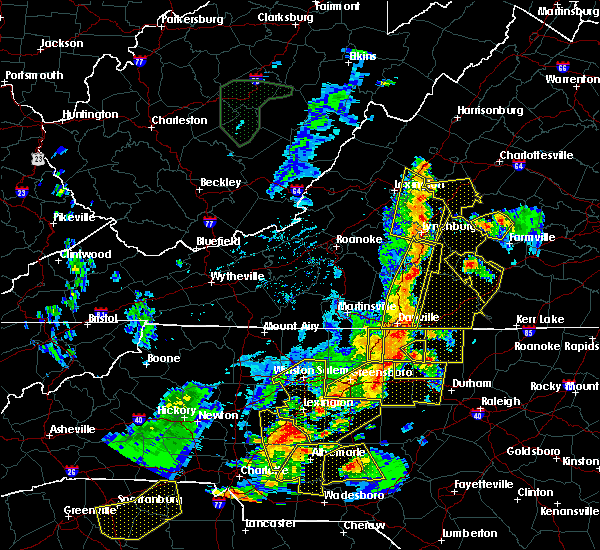 Radar Image for Severe Thunderstorms near Timberlake, VA at 7/13/2015 9:25 PM EDT