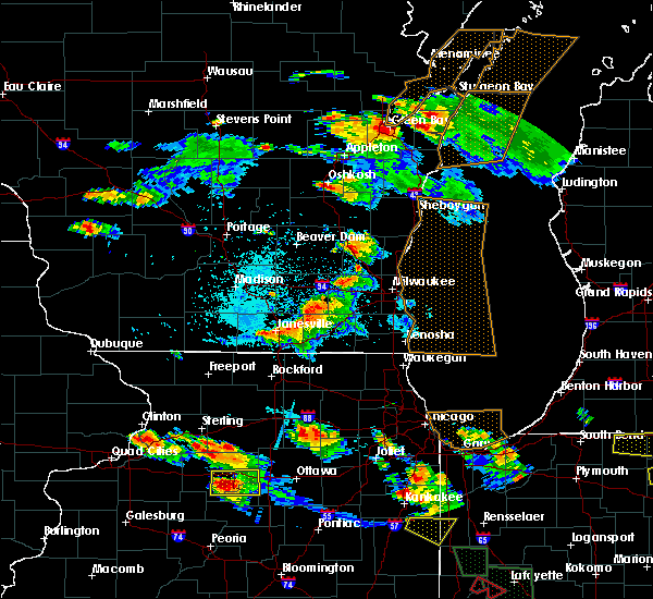 Radar Image for Severe Thunderstorms near Janesville, WI at 7/13/2015 8:36 PM CDT