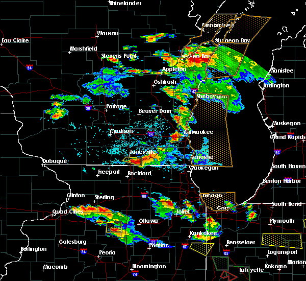 Radar Image for Severe Thunderstorms near Janesville, WI at 7/13/2015 8:47 PM CDT