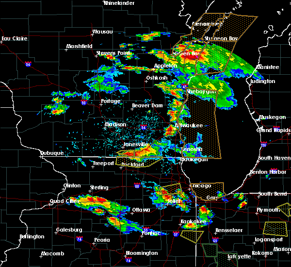 Radar Image for Severe Thunderstorms near Roscoe, IL at 7/13/2015 8:56 PM CDT