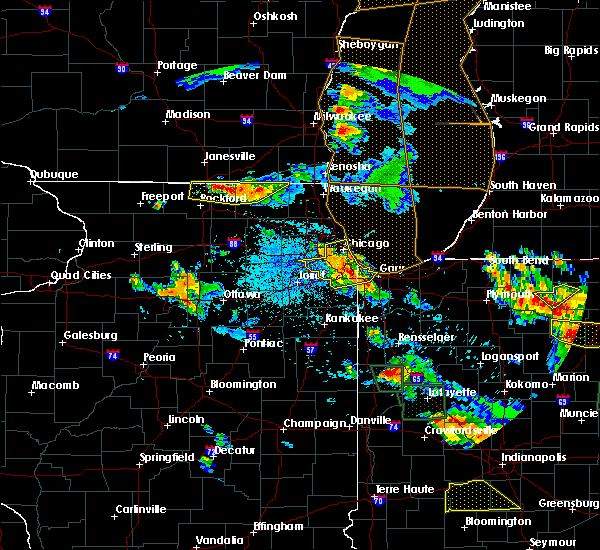 Radar Image for Severe Thunderstorms near Bridgeview, IL at 7/13/2015 9:24 PM CDT