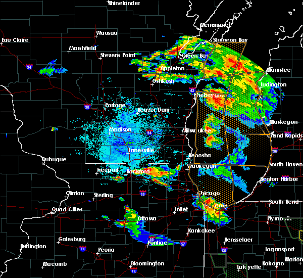 Radar Image for Severe Thunderstorms near Cherry Valley, IL at 7/13/2015 9:37 PM CDT