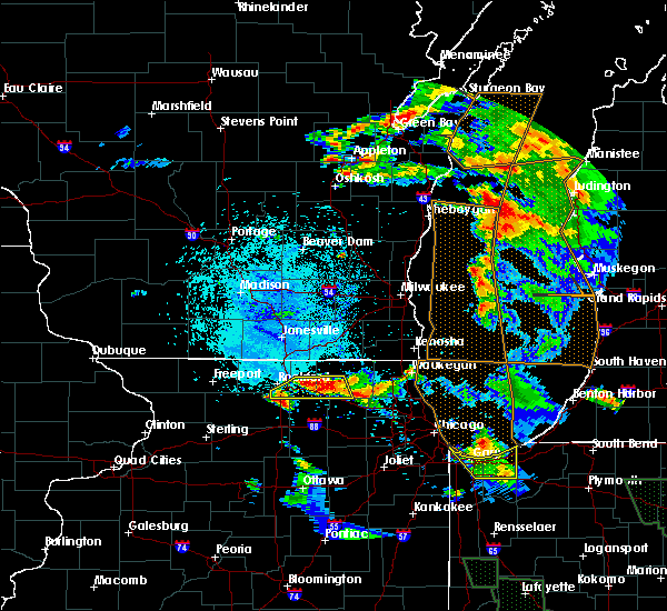 Radar Image for Severe Thunderstorms near Rockford, IL at 7/13/2015 9:52 PM CDT