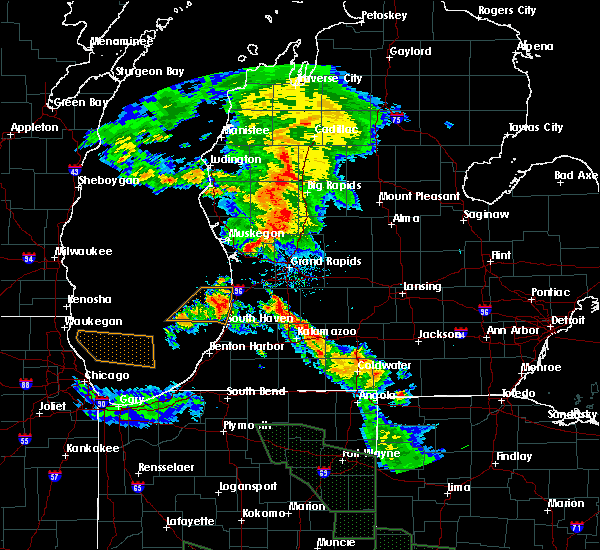 Radar Image for Severe Thunderstorms near Otsego, MI at 7/14/2015 12:27 AM EDT