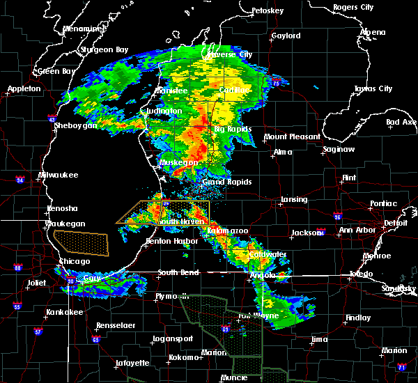 Radar Image for Severe Thunderstorms near Canadian Lakes, MI at 7/14/2015 12:30 AM EDT
