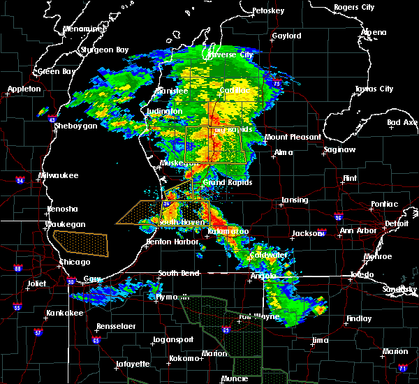 Radar Image for Severe Thunderstorms near Canadian Lakes, MI at 7/14/2015 12:43 AM EDT