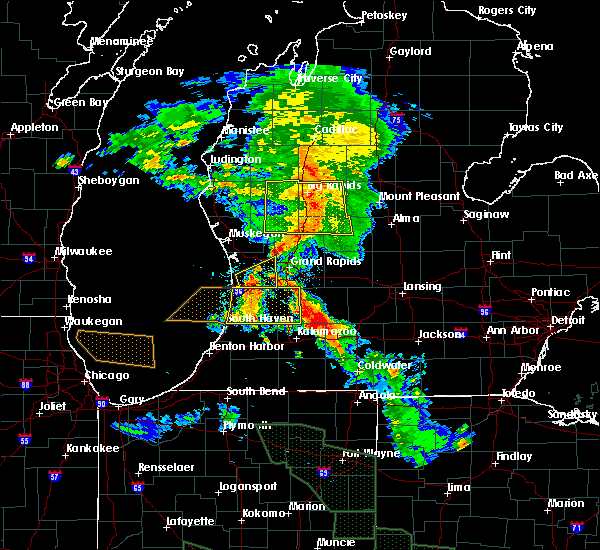 Radar Image for Severe Thunderstorms near Otsego, MI at 7/14/2015 12:46 AM EDT