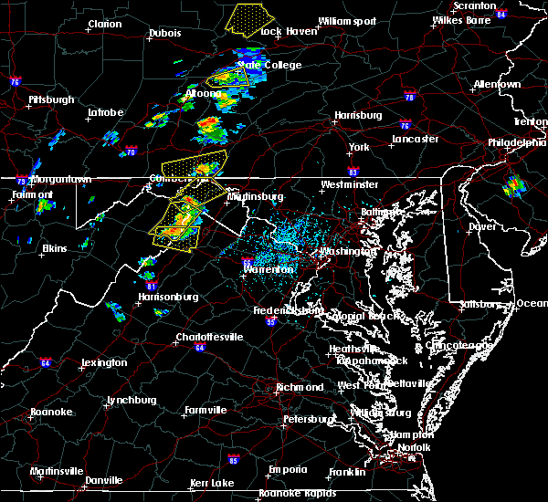 Radar Image for Severe Thunderstorms near Shawneeland, VA at 7/14/2015 5:28 PM EDT