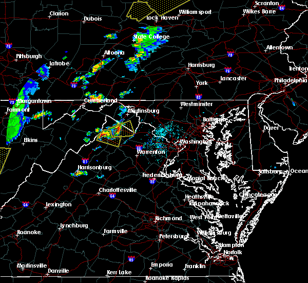 Radar Image for Severe Thunderstorms near Shawneeland, VA at 7/14/2015 6:03 PM EDT