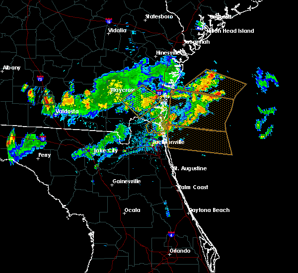 Radar Image for Severe Thunderstorms near Kingsland, GA at 7/14/2015 6:05 PM EDT