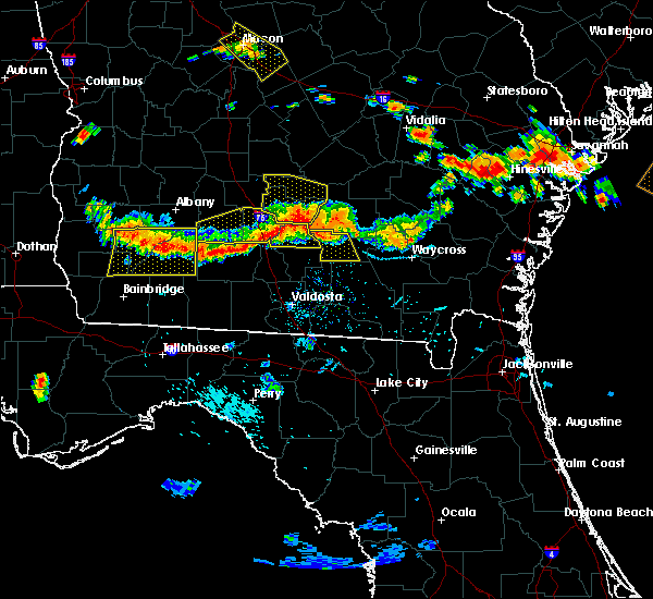 Radar Image for Severe Thunderstorms near Moultrie, GA at 7/15/2015 6:14 PM EDT
