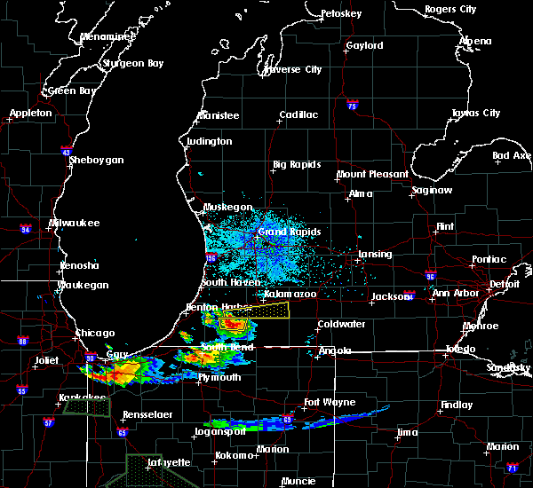 Radar Image for Severe Thunderstorms near Vicksburg, MI at 7/17/2015 10:09 PM EDT