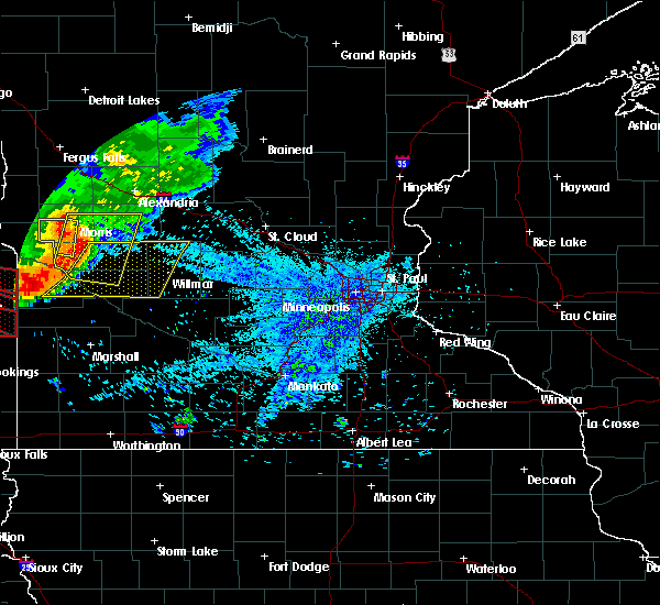 Radar Image for Severe Thunderstorms near Benson, MN at 7/17/2015 9:53 PM CDT