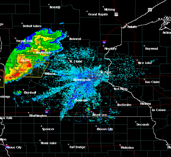 Radar Image for Severe Thunderstorms near Montevideo, MN at 7/17/2015 10:05 PM CDT