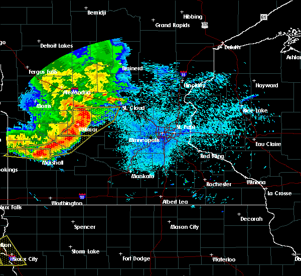 Radar Image for Severe Thunderstorms near Olivia, MN at 7/17/2015 10:59 PM CDT