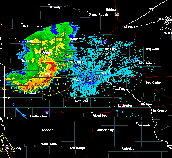 Radar Image for Severe Thunderstorms near Litchfield, MN at 7/17/2015 11:12 PM CDT