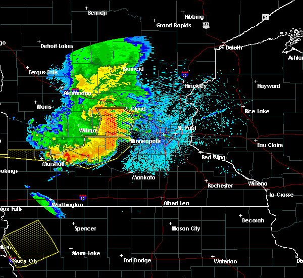 Radar Image for Severe Thunderstorms near Le Center, MN at 7/17/2015 11:47 PM CDT