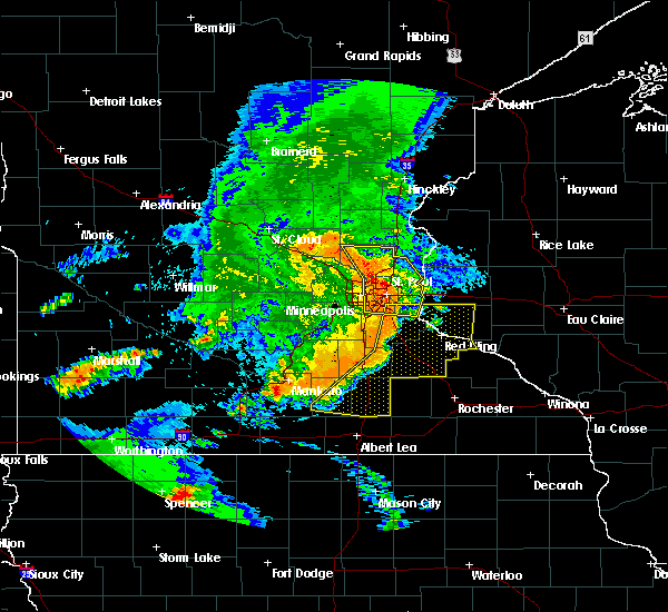 Radar Image for Severe Thunderstorms near St. Francis, MN at 7/18/2015 1:03 AM CDT