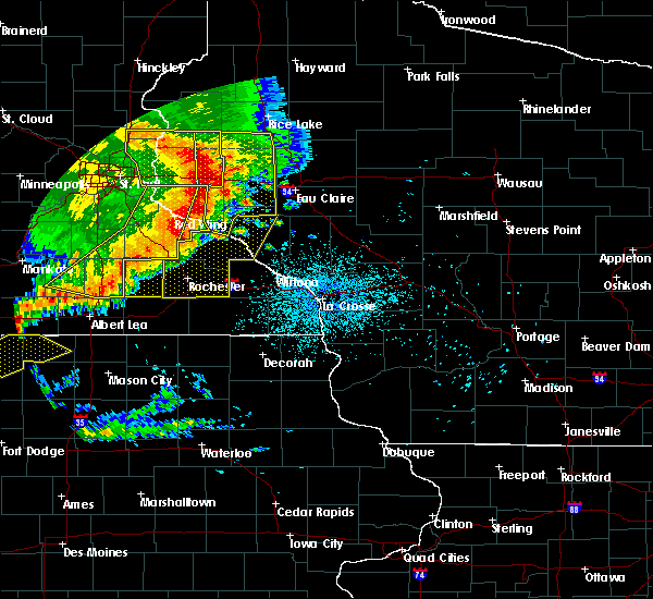 Radar Image for Severe Thunderstorms near Elgin, MN at 7/18/2015 1:43 AM CDT