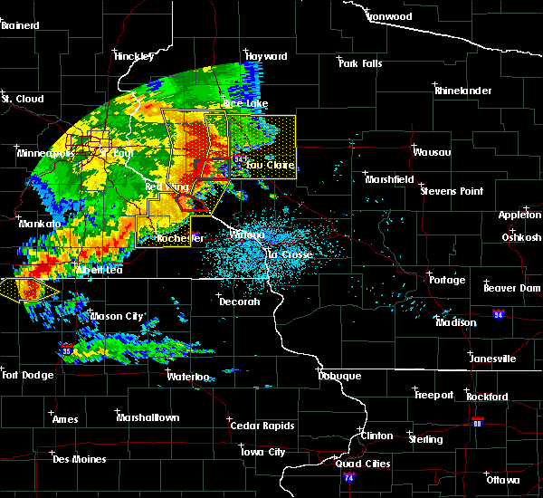 Radar Image for Severe Thunderstorms near Elgin, MN at 7/18/2015 2:04 AM CDT