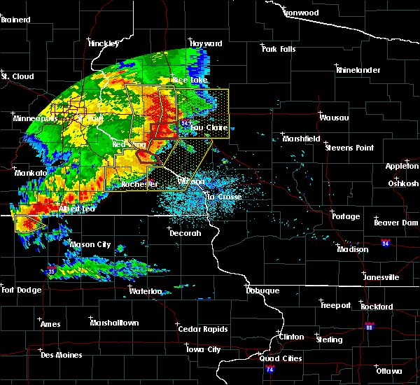 Radar Image for Severe Thunderstorms near Goodview, MN at 7/18/2015 2:11 AM CDT