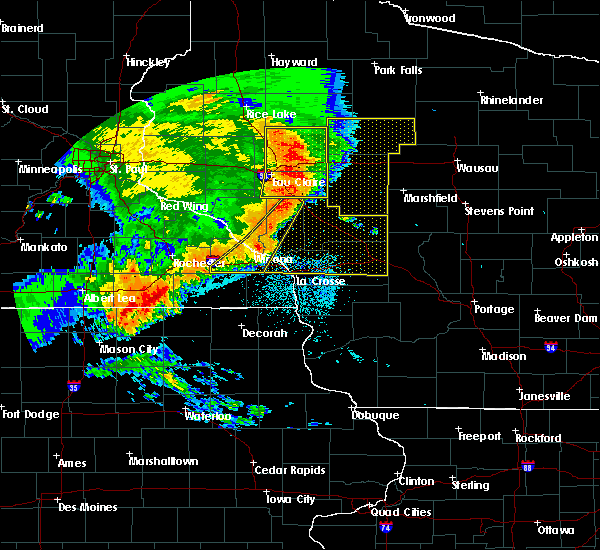 Radar Image for Severe Thunderstorms near Minnesota City, MN at 7/18/2015 2:48 AM CDT
