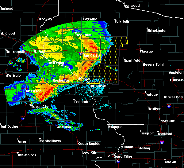 Radar Image for Severe Thunderstorms near Fairchild, WI at 7/18/2015 2:57 AM CDT