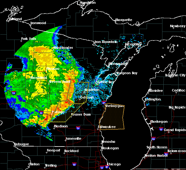 Radar Image for Severe Thunderstorms near Little Chute, WI at 7/18/2015 5:33 AM CDT