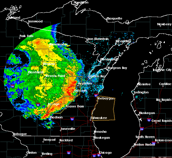 Radar Image for Severe Thunderstorms near Little Chute, WI at 7/18/2015 5:43 AM CDT