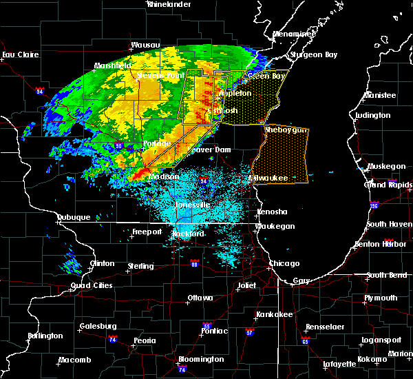 Radar Image for Severe Thunderstorms near Waupun, WI at 7/18/2015 5:54 AM CDT