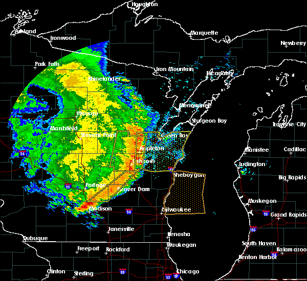Radar Image for Severe Thunderstorms near Little Chute, WI at 7/18/2015 5:56 AM CDT