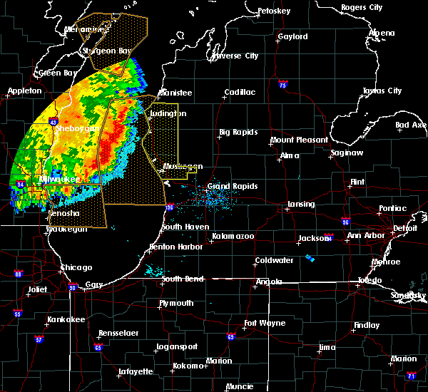 Radar Image for Severe Thunderstorms near Casnovia, MI at 7/18/2015 8:34 AM EDT