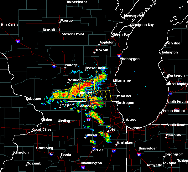 Radar Image for Severe Thunderstorms near Helenville, WI at 7/18/2015 2:27 PM CDT