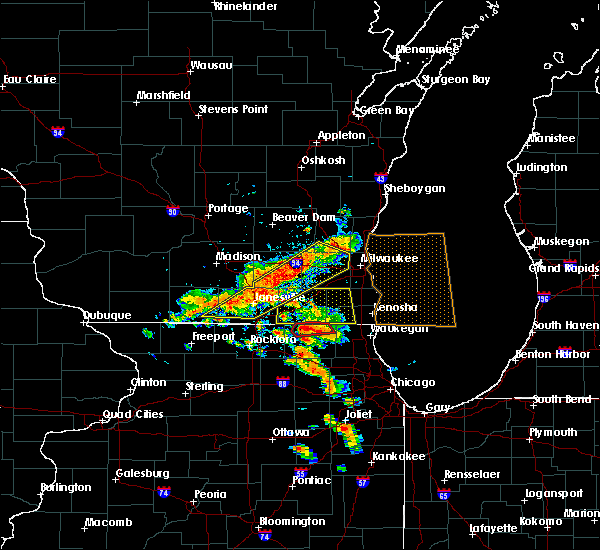 Radar Image for Severe Thunderstorms near Janesville, WI at 7/18/2015 2:45 PM CDT