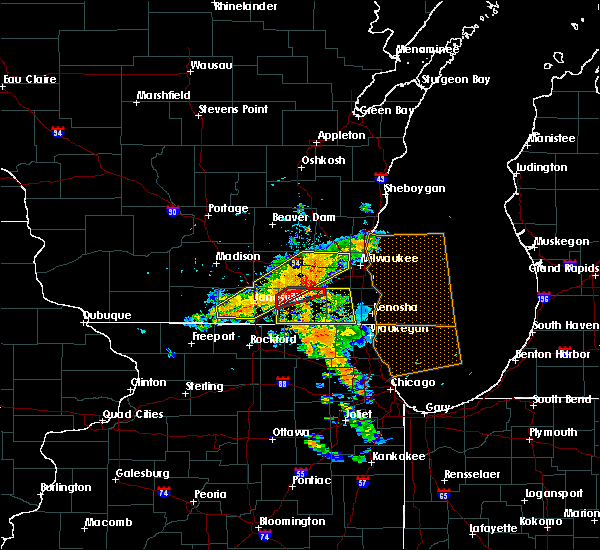 Radar Image for Severe Thunderstorms near Lake Geneva, WI at 7/18/2015 2:58 PM CDT