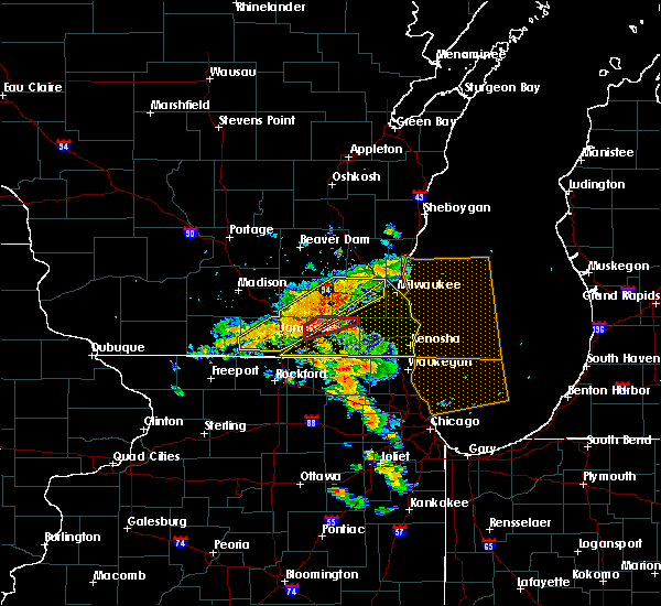 Radar Image for Severe Thunderstorms near Bristol, WI at 7/18/2015 3:07 PM CDT