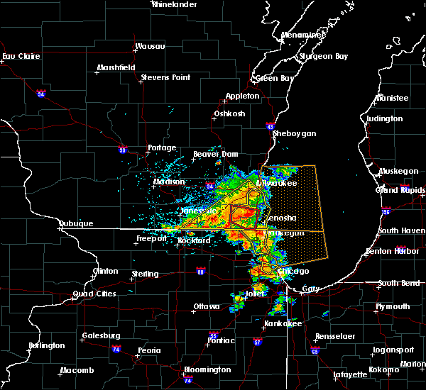 Radar Image for Severe Thunderstorms near Bristol, WI at 7/18/2015 3:30 PM CDT